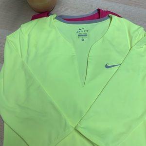 Nike 3/4 length sleeve active wear
